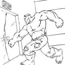 Coloriage de Hulk qui enfonce une porte