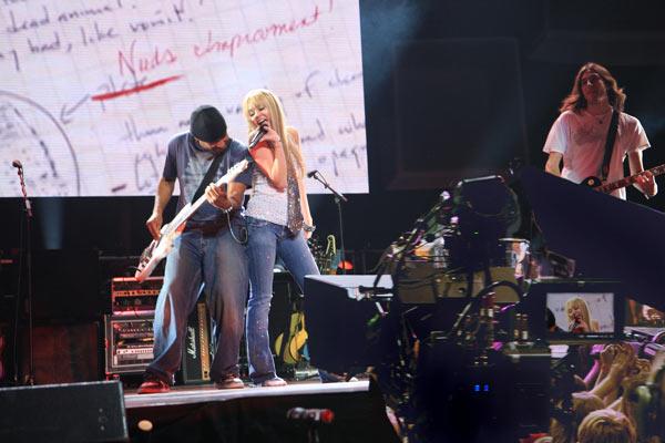 'Hannah Montana et Miley Cyrus : le concert événement en 3 D' scene (Image 18927940.jpg)