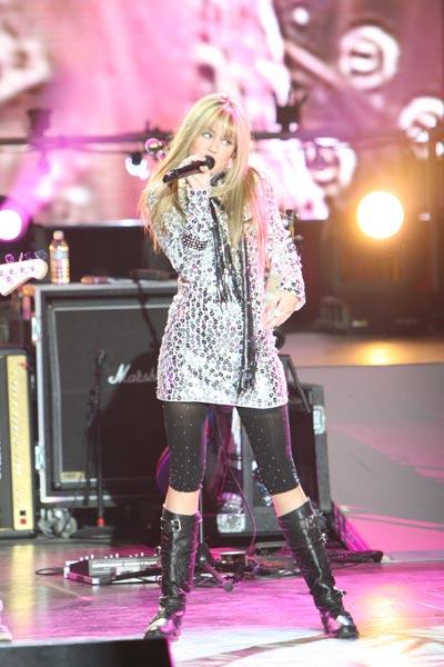 'Hannah Montana et Miley Cyrus : le concert événement en 3 D' scene (Image 18927933.jpg)