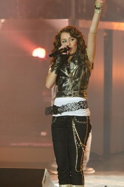 'Hannah Montana et Miley Cyrus : le concert événement en 3 D' scene (Image 18927938.jpg)