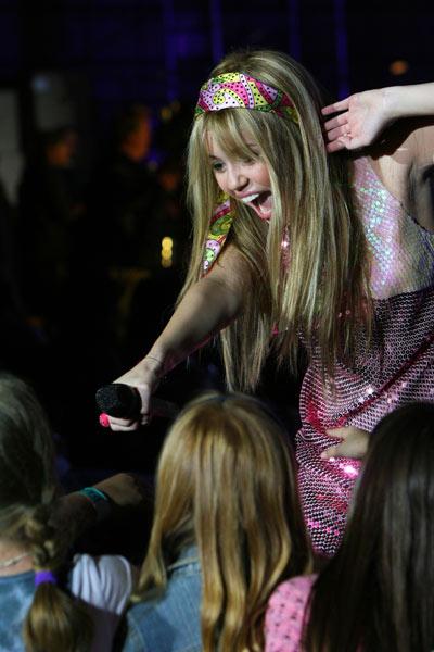 'Hannah Montana et Miley Cyrus : le concert événement en 3 D' scene (Image 18927936.jpg)