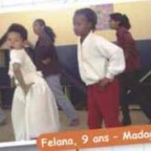 112 élèves dans ma classe ! (Madagascar)