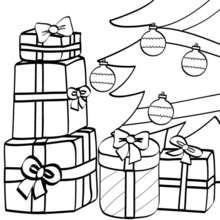 Coloriage de cadeaux sous le sapin