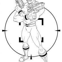 Coloriage Power Rangers : Ranger Doré avec des pistolets laser
