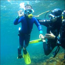 Le bapteme de plongée sous-marine - Lecture - REPORTAGES pour enfant - Sport
