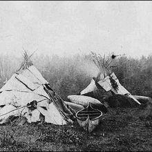 Les tipis de la tribu des Obijways au Québec