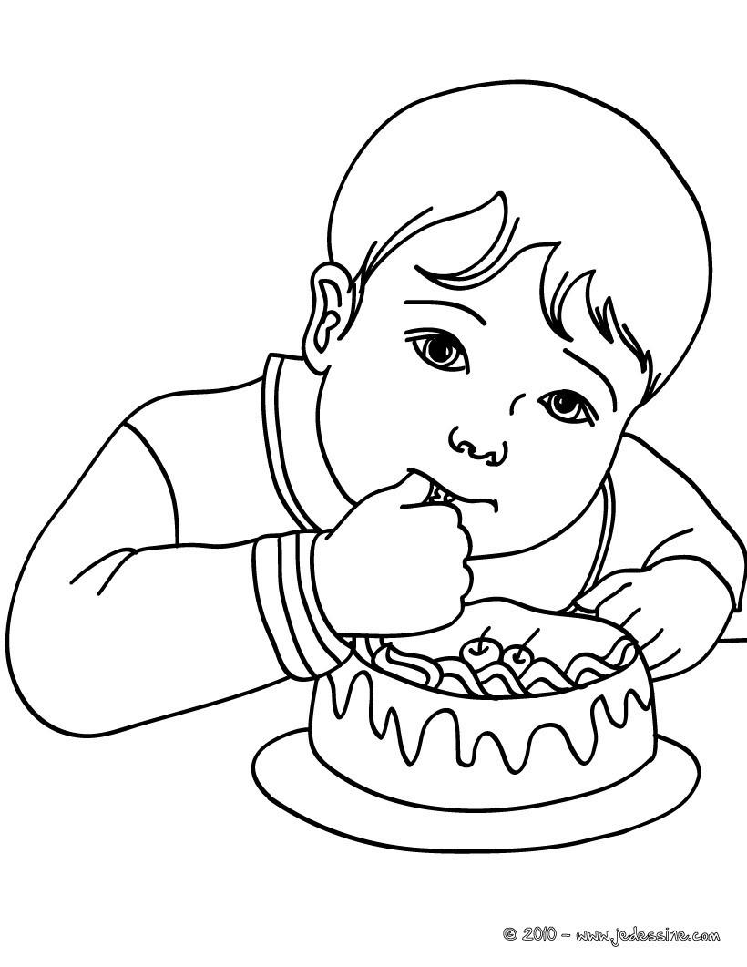 Coloriages petit gar on qui mange un g teau d 39 anniversaire - Dessin petit garcon ...