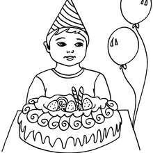 Coloriage : Petit garçon et son gâteau d'anniversaire