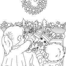 Coloriage chaussette noël  cadeau - Coloriage - Coloriage FETES - Coloriage NOEL - Coloriage CADEAUX DE NOEL - Coloriages CADEAUX DE NOEL