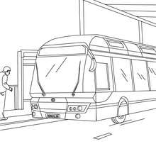 Coloriage bus en gare - Coloriage - Coloriage VEHICULES - Coloriage BUS