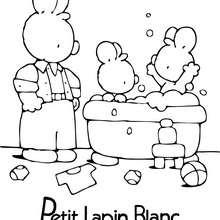Coloriage : PETIT LAPIN BLANC prend le bain