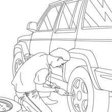 Coloriage mecanicien qui change la roue d'une voiture