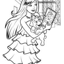 Coloriage Barbie : Coloriage de KEIRA et son IPad