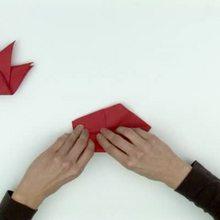 Pliage de serviette en papier en forme d'oiseau - Activités - ATELIER BRICOLAGE EN VIDEO - VIDEO BRICOLAGE PLIAGES