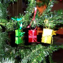 Activité : Cadeaux brillants pour le sapin