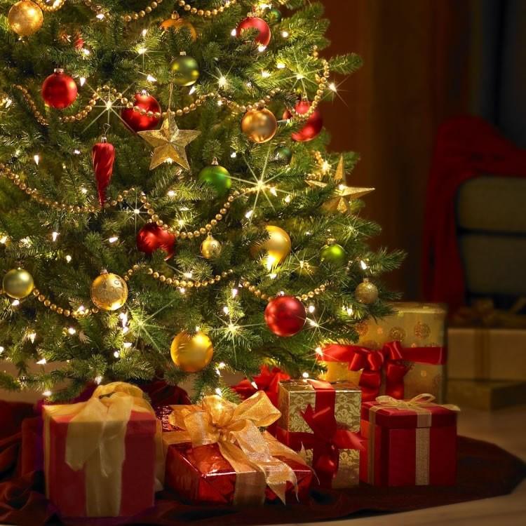 Jeux de les cadeaux au pied du sapin - Sapin avec cadeaux ...
