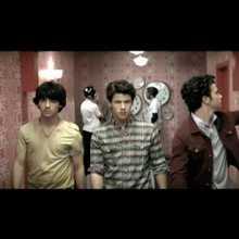 Chanson : Jonas Brothers - Paranoid