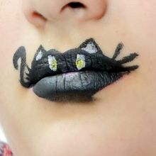 Fiche maquillage : Lip Painting - Black Cat