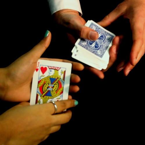 tour de magie carte ici et la
