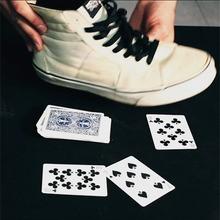 Tour de magie : Faire apparaître une carte dans sa chaussure