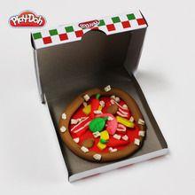 Des pizzas en pâte à modeler