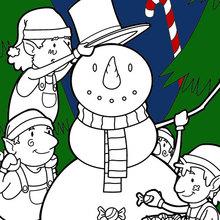 Coloriage : Elfes construisant un bonhomme de neige pour Noël