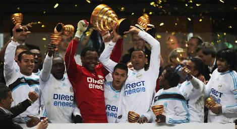 Et aussi champions du troph e des champions 2010 gagner contre paris au tirs au but 5 4 - Gagnant coupe de la ligue ...