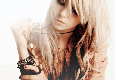 English Breakfast { PV Allys, Kim, April, Ai The-pretty-reckless-taylor-momsen-the-pretty-reck-1_hvw